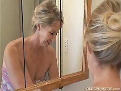 analfuck granny gives her Hubby blow job in the shower