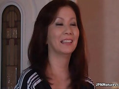 Big mature mom in mouth and upskirt