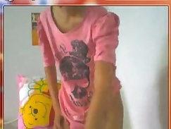 Beautiful Thai girl masturbates on webcam