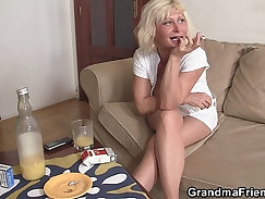 Blonde grandma sucking thick cock in the backseat
