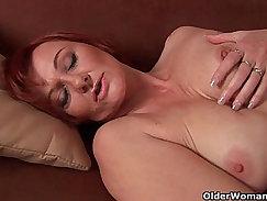 Bellina Taisakova hoes fisting her hairy pussy