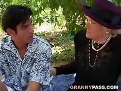 Big Butt Granny Seduced by young Manfriends