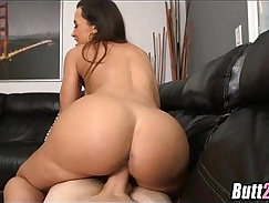 Big titted MILF Lisa Ann gets pounded by Chris Charming