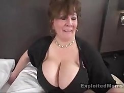 Chubby Interracial slut fucked in car