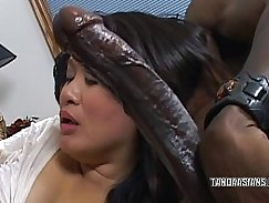 Singorgeira se chupando a ceble fazendo safada follante gostoso