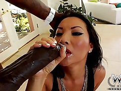 Horny Asa Akira works out raw ass room