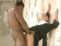 Black Ghetto Queen Naked With White Guy