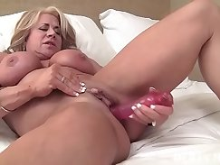 Aroused brunette cougar fucking rough