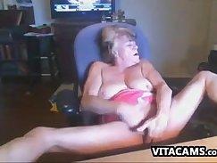 Amazing grandma masturbating tits